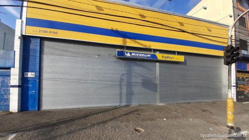 porta-de-enrolar-automatica-portao-de-rolo-favaretto-portas-015