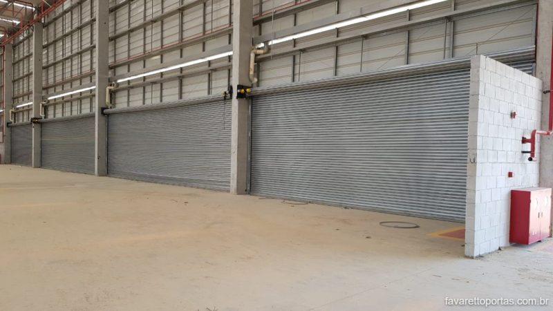 porta-de-enrolar-automatica-portao-de-rolo-favaretto-portas-020